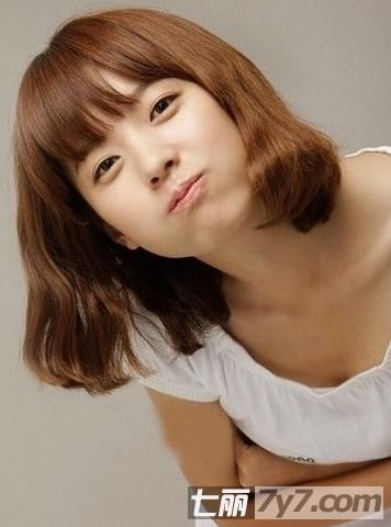 短款荷叶头发型图片 晋升为韩剧女主角