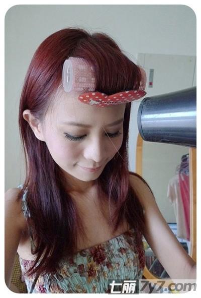 自己怎么样剪齐刘海的方法 丰盈妹妹头在家就能做