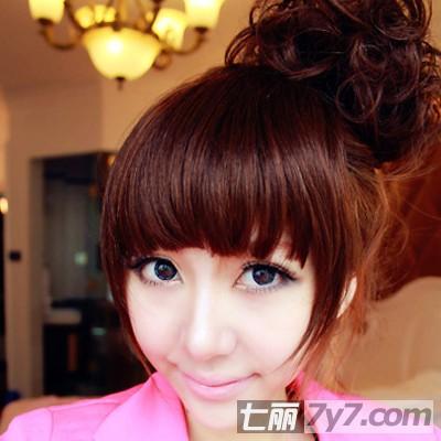 发量少适合什么发型 齐刘海 花苞头diy蓬松发型