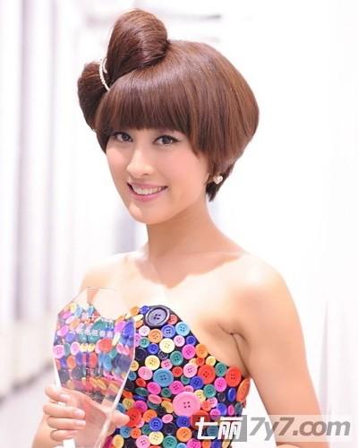 《小夫妻时代》马苏短发发型 时尚减龄清新唯美
