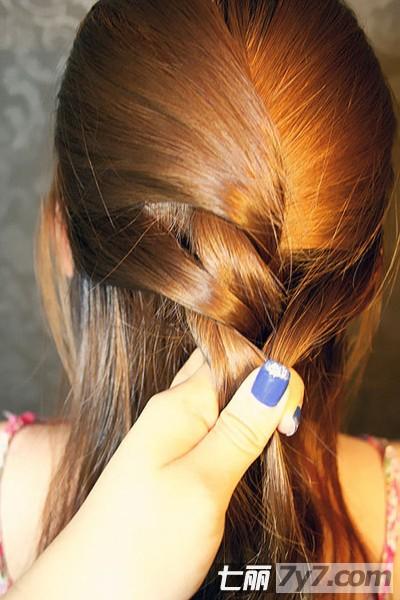 韩式长发编发步骤图解 自己动手打造时尚气质发型