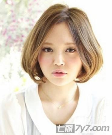 大脸宽脸适合的发型图片推荐 8款显瘦短发扮靓寒冬图片