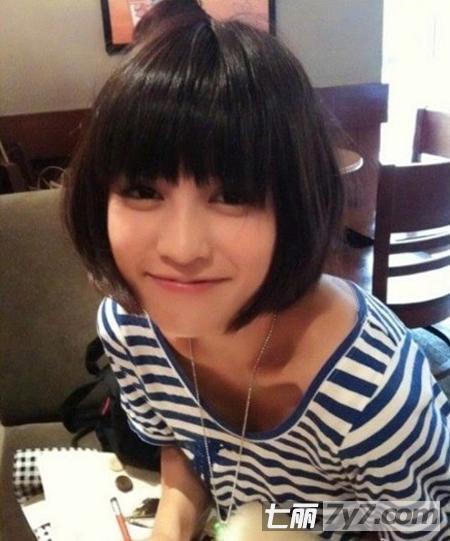 圆脸适合的短发发型图片 平刘海瘦脸短发打造小v脸图片