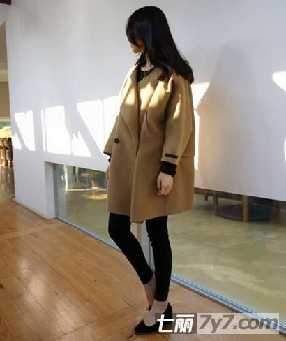 胖女生冬天穿衣搭配 休闲大衣外套显瘦更时髦-丰满
