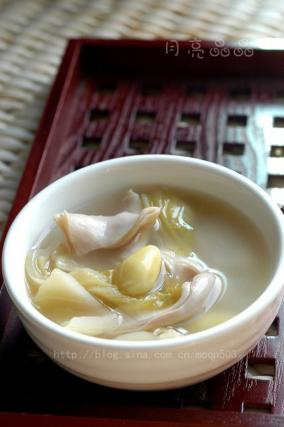 白果酸菜猪肚汤