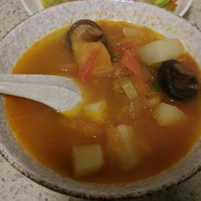 番茄白萝卜香菇汤(减肥餐)