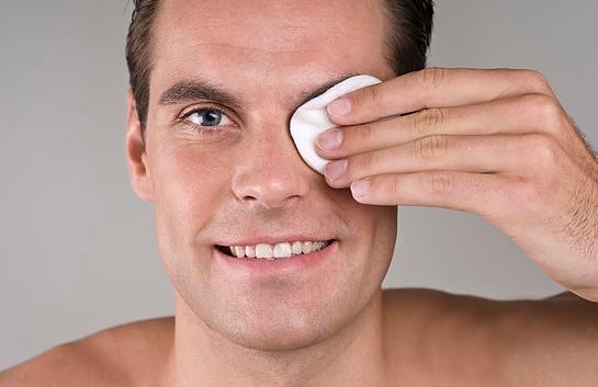 男人護膚四部曲 給你一付好面子